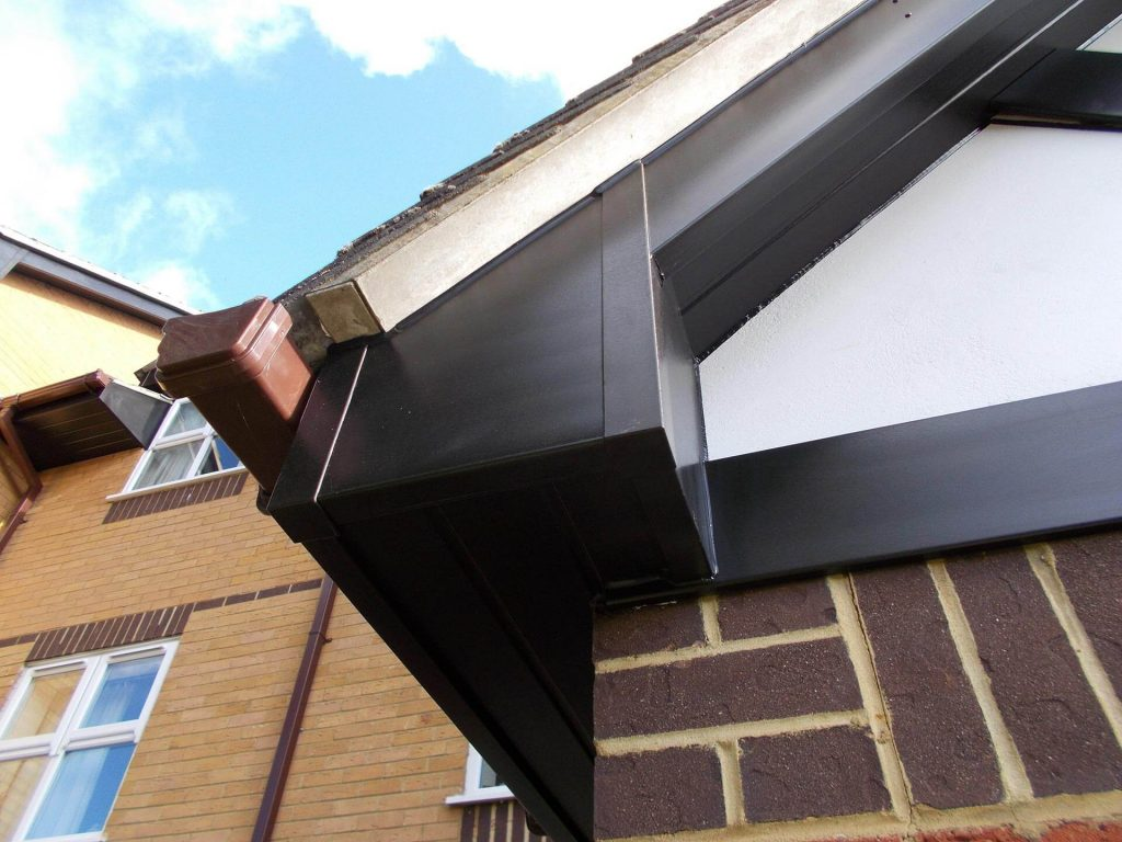 Black box end detail with brown gutter